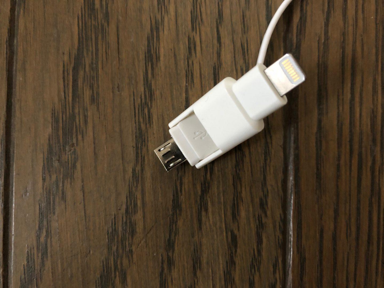 オウルテックの巻取り式の充電ケーブルの外観