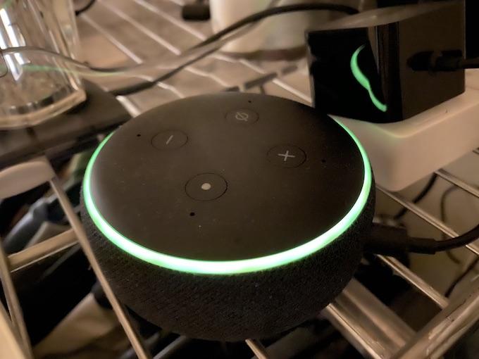 Amazon Echo Dotが光る理由と対処法