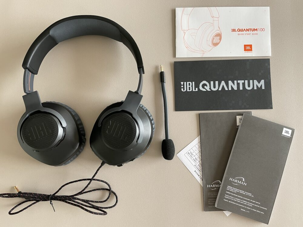 JBL Quantum 100の付属品と外観